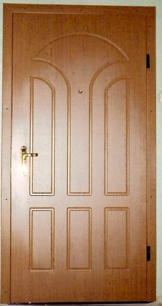 входная дверь в квартиру в люберцах